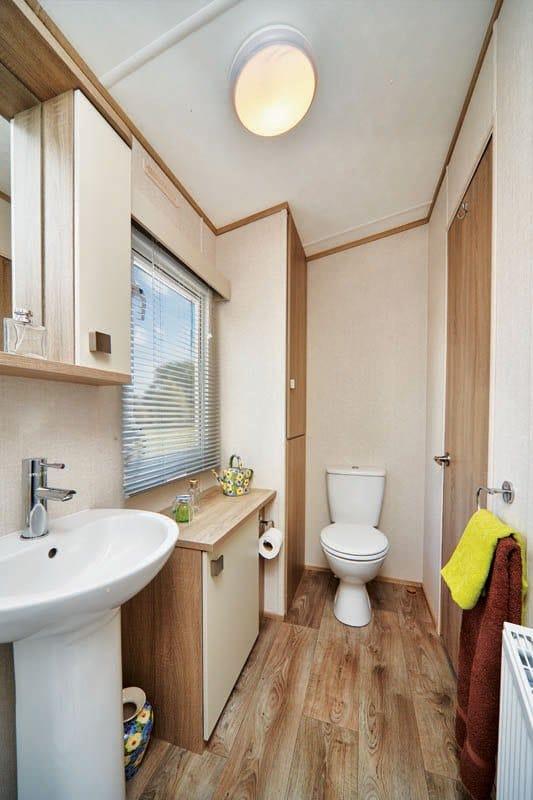 Family-Bathroom-Carnaby-Oakdale